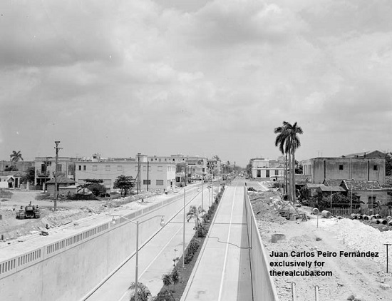 The tunnel of Linea Street while it was still under construction. It was built by Cuban engineers and constructors between 1951 and 1953